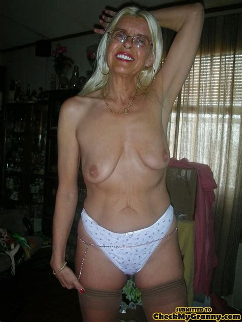 White Haired Amateur Granny Posing In Sexy Xxx Dessert