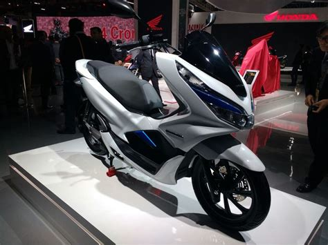 Pcx 2018 Second by Honda Pcx Electric Scooter Debuts At 2018 Auto Expo