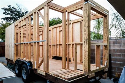 choice materials build tiny house