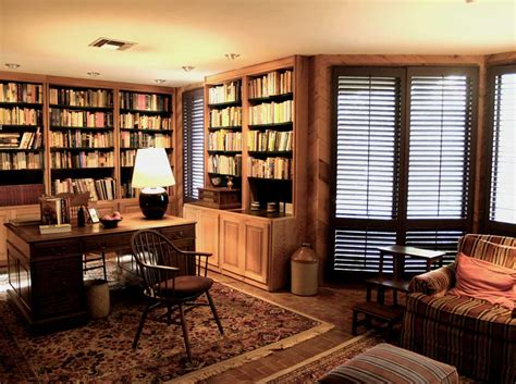 Tips For A Luxurious Home Office Look Interior