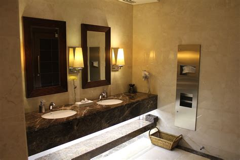 Bathroom Showers Dubai by Review Emirates Class Lounge Dubai Live And Let S Fly