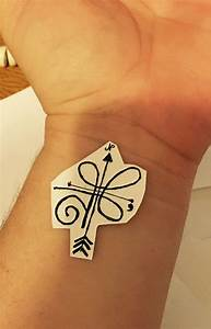 The Celtic design is a symbol for strength and the arrows ...