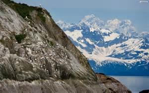Alaska Mountain Desktop