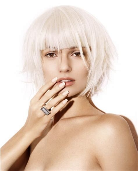pearl colored bob  blunt cutting lines white hair