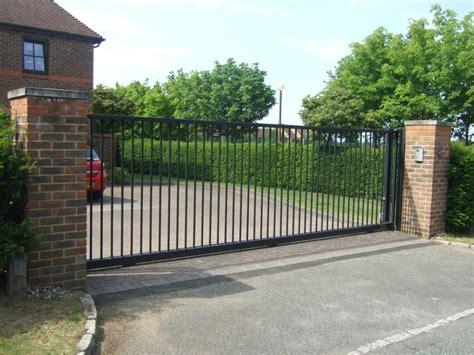 driveway gates sliding driveway gate www imgkid com the image kid has it