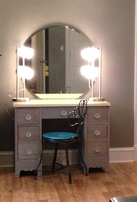 makeup desk with makeup desk furnitureherpowerhustle com herpowerhustle com