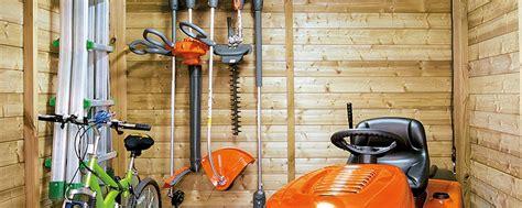 rangement outils jardin diy fabriquer un porte outils de jardin oleomac