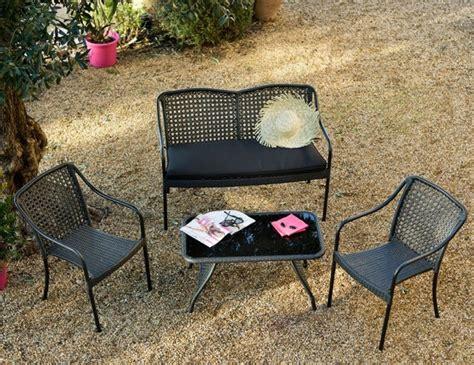 petit canap pas cher un mini salon de jardin pour petit espace joli place