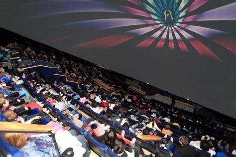 la geode   omnimax cinema theatre located   parc
