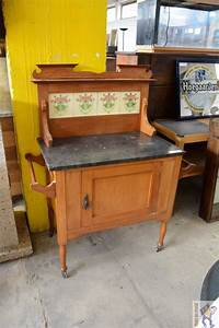 Petit Meuble Lavabo : petit meuble lavabo sur roulette troc en stock ~ Teatrodelosmanantiales.com Idées de Décoration