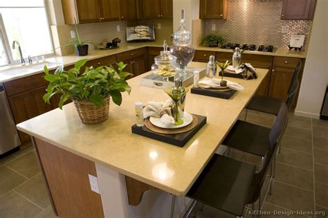 quartz countertops colors for kitchens how to use gold quartz countertop colors in a kitchen 7622