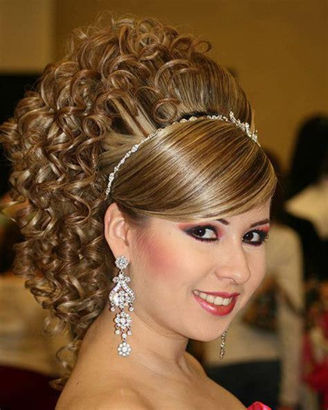 capelli corti medi lunghi  mossi scelta   la
