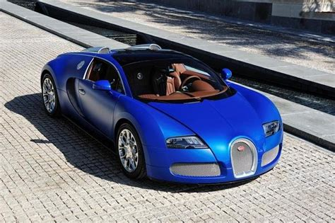 The development of the bugatti veyron was one of the greatest technological challenges ever known in the automotive industry. 2009 - 2012 Bugatti Veyron Grand Sport | car review @ Top Speed