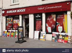 Ethanol Berlin Shop : uk europe bargain booze shop front window with adverts ~ Lizthompson.info Haus und Dekorationen