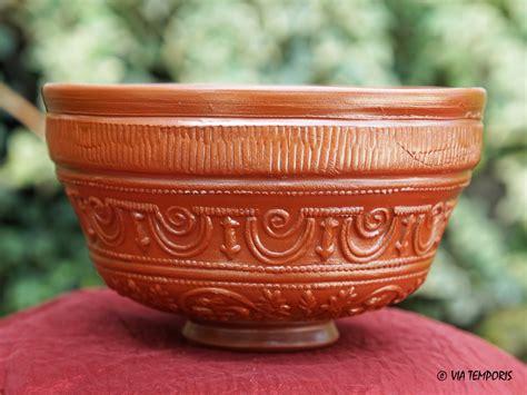 騅ier de cuisine en ceramique ceramique gallo romaine bol sigillee du sud de la gaule dr 29 mod petit via