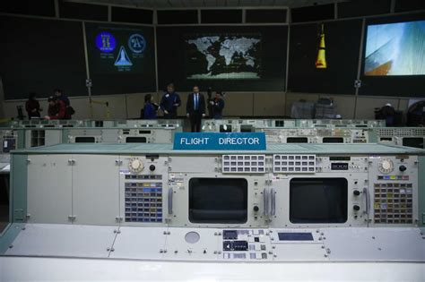 nasa removes  piece  historic mission control