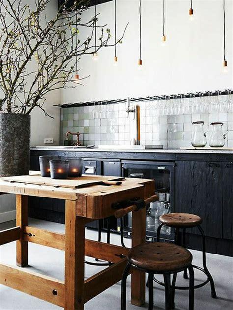 table pour la cuisine la table haute de cuisine est ce qu est confortable