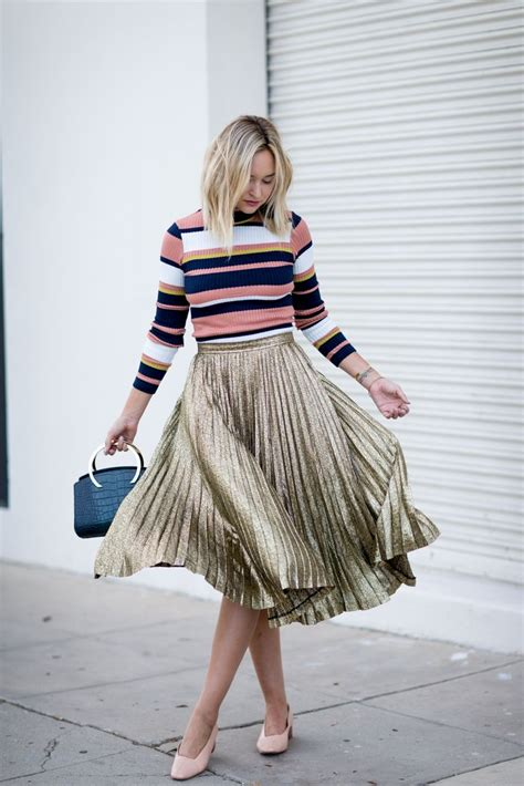 Vintage Gold Street Style Pleated Skirt Outfit