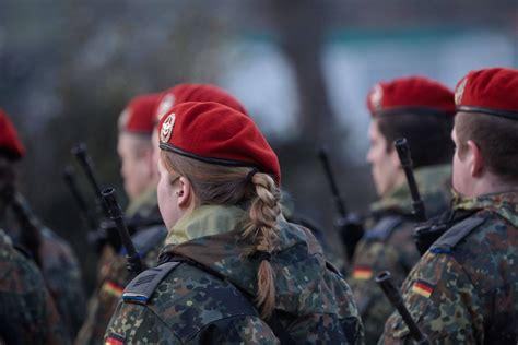 bundeswehr stilfibel soldaten sind gleich soldatinnen