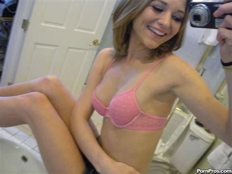 Blonde ex girlfriend self shot mirror pics - Pichunter