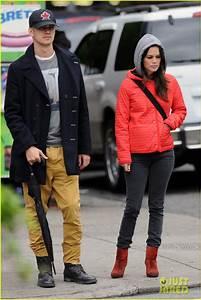 Hayden Christensen and Rachel Bilson.Rock it on a rainy ...