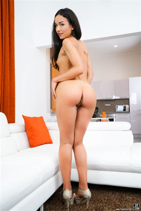 Petite Babe Nataly Gold Has A Nasty Side That Just Cant