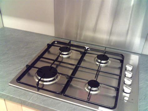plaque en aluminium pour cuisine crédence inox brossé pour la cuisine plan de travail