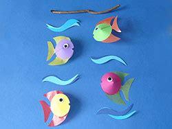 basteln sommer grundschule mobile basteln aus bunten fischen basteln gestalten