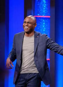 Wayne Brady Claps Back at Critic Questioning His Acting ...