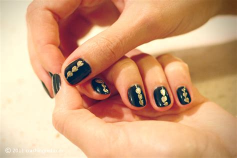 Nails In Black And Gold