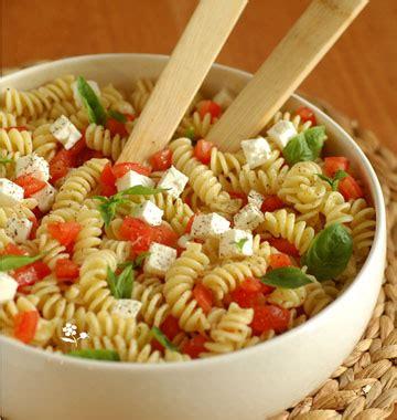 jeux de cuisine salade salade de torti au chèvre frais tomates et basilic les