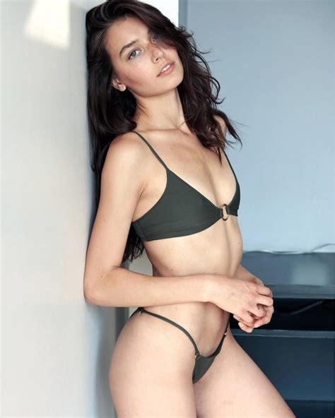 Jessica Clements Sexy Pics Sexy Youtubers