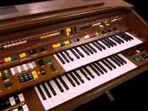 The Yamaha Electone C605 organ - YouTube