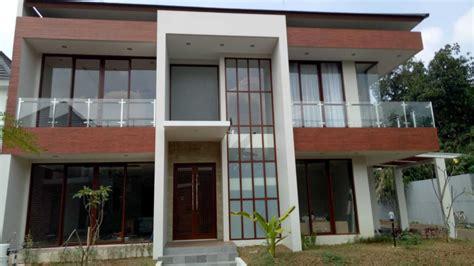 project pengecekan lapangan progress rumah modern tropis