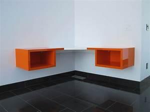 Bureau D Angle Design : designs uniques de bureau suspendu ~ Teatrodelosmanantiales.com Idées de Décoration