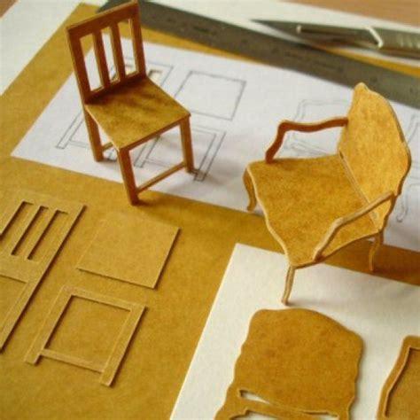 fabriquer une chaise miniature les 25 meilleures idées de la catégorie maisons de poupées