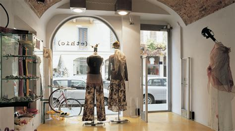 negozi cupole infissi per negozi vetrine produzione propria a