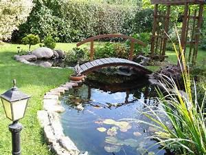 Brücke Für Gartenteich : gartenteich mit brucke ~ Whattoseeinmadrid.com Haus und Dekorationen