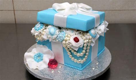 tiffany gift box pearls  diamonds cake