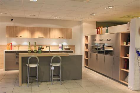 meuble cuisine mobalpa votre cuisine mobalpa par virginie les expositions du magasin mobalpa priest toutes à