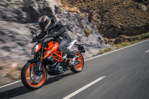 Ktm Duke 390 Picture by 2017 Ktm Duke 390 Makes World Debut At Eicma Show