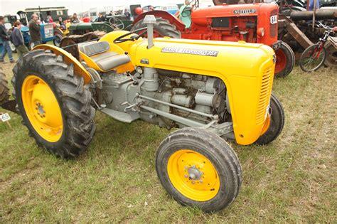 massey ferguson construction tractor construction