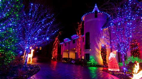 Eco-Friendly Yard Decorating Ideas for the Holidays