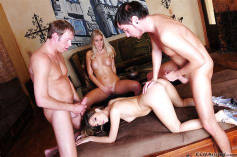 Jenna Haze And Nikki Jayne Are Into Hardcore Foursome