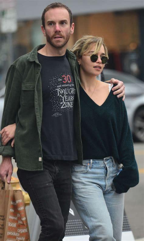 Emilia clarke has a new love interest. Emilia Clarke and boyfriend Charlie McDowel: Out in Venice -08   GotCeleb