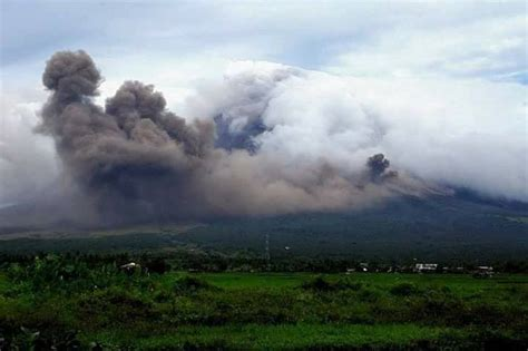 magnificent facts   mayon volcano