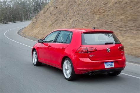 volkswagen hatchback 2016 vw updates the 2016 vw golf to be more tech friendly