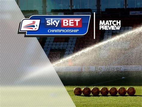 Wolverhampton V Burton Albion at Molineux Stadium : Match ...