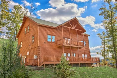 tn cabin rentals cabin rental with pool gatlinburg the preserve