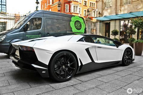 lamborghini aventador lp700 4 roadster blueprint lamborghini aventador lp700 4 roadster mvm automotive design 27 april 2016 autogespot